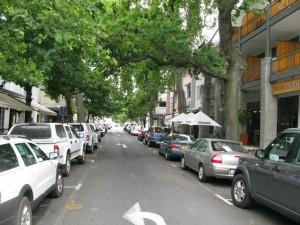 Provinciaalse straatjes in het gezellige centrum van Stellenbosch